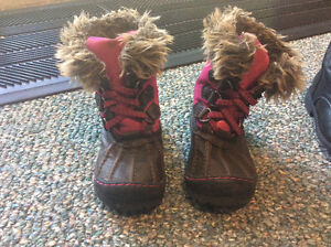 Size 9 Old Navy Winter Boots