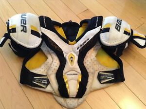 JUNIOR BAUER SUPREME TOTAL ONE CHEST PROTECTOR