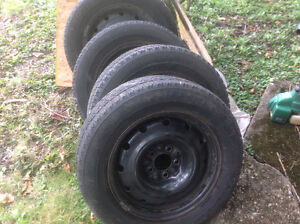 4 tires with rims 215/60r16. 1tire with rim 225/60r16