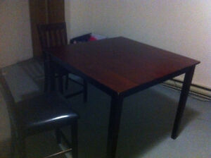 Pub size dinning table -3 piece