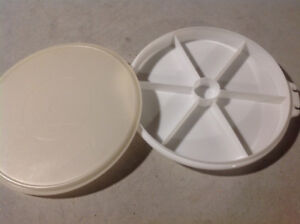 Tupperware - divided tray with cover