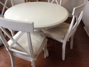 White round 5 piece  dinning set