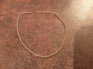 Chaîne torsade 16 pouces or 10 carat