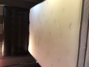 Double mattress, box and headboard in excellent condition