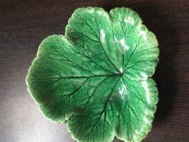 Green Leaf-shaped bowl/trinket dish