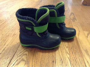 Navy Blue With Green Accents Winter Boots Child Size 10