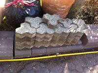 33 pierres de pavé