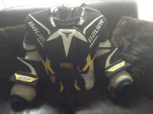Men's Pro Bauer goalie chest protector