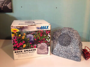 TeleMax Communications Indoor/Outdoor Rock Speaker
