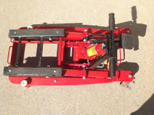 Hydraulic motorcycle stand