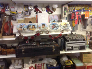 Garage Sale..antiques, collectables, steam punk lamps...much mor Windsor Region Ontario image 6