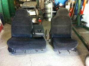 97-03 F150  black front seat complete with center consul