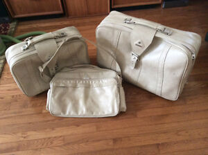 Three piece Samsonite luggage for sale
