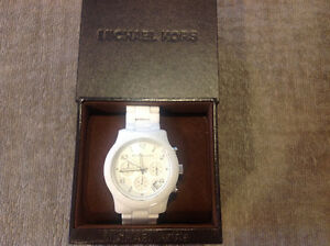 Michael Kors Classic White Ceramic Watch