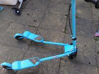 Boys flicker scooter in blue