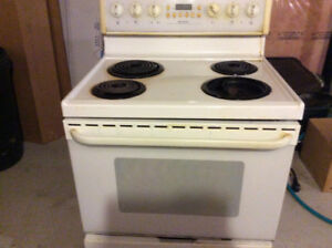 Frigidaire Electric stove, convection oven and self cleaning