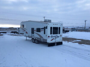 2006 Crossroads Cruiser CF29CK 5th Wheel