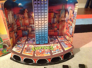 New Price TMNT Tower of Doom Vintage Game Free Collectibles London Ontario image 2