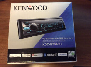 Car CD / Receiver / Stereo with USB - Kenwood KDC-BT565U