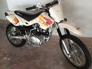 Baja 125 DR Mint like New!! 5 speed Dirt Bike, Motocross, Trail
