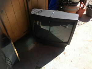 Free TV - please pick up asap