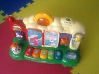 Vtech Nursery Piano Farm - HALF PRICE