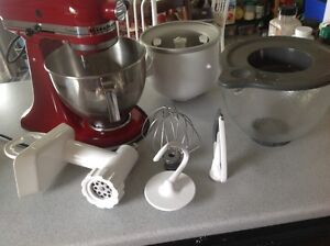 Selling Multiple Kitchen appliances, knives, juicer, Stand Mixer