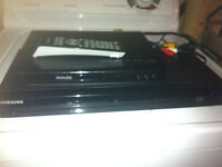 for sale i have 2 dvd players divx 1 dont have the remot 20.00