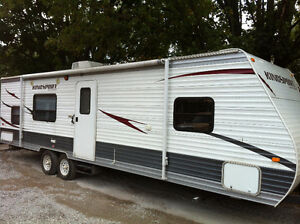 2011 Kingsport 295QB - Family Trailer - Tow with a 1/2 Ton