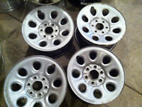 """17"""" 6 bolt factory CHEVY/ GMC truck rims. great condition"""