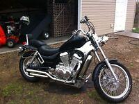 Black & Crome 750 Suzuki Intruder $2500obo