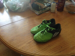 Adidas  F5  Soccer Cleats