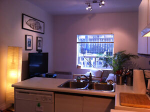 9' CEILINGS, OPEN CONCEPT KIT/LIV ROOM, DISHWASHER, LNDRY, PATIO
