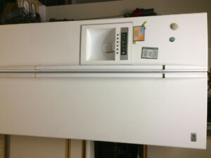 LG side by side fridge/ freezer