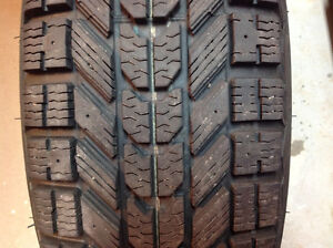 Firestone Winterforce 4 Winter Tires with Rims 225/75R/15 West Island Greater Montréal image 2