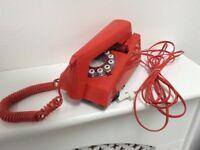 Vintage trim telephone