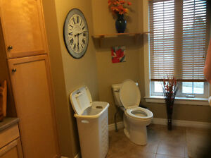 Private Upstairs Bathroom & Bedroom In Gorgeous Shediac River