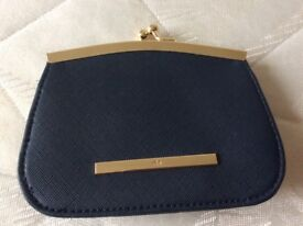 Red herring purse