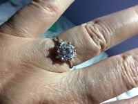 WHITE GOLD PLATED AUSTRIAN CRYSTAL RING. SZ 6