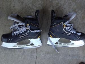 Bauer skates Peterborough Peterborough Area image 2