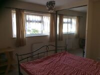 Large double room with a king sized bed. Chelmsford, CM1 2BB-near town centre.