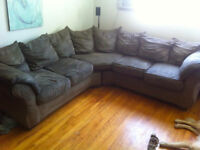 Sectional couch / Sofa sectionnel