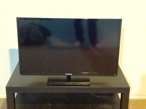 """32"""" LED TV in Brand New Condition"""