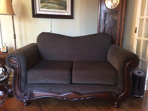 Sofa and matching loveseat in Perfect condition London Ontario image 2