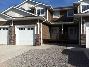 AVAIL NOW. 3 BED TOWNHOME SOUTHBROOK