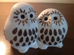 STRAWBERRY HILL POTTERY- TWIN BABY OWLS