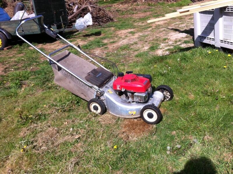 honda hr 194 self propelled lawnmower in swansea gumtree. Black Bedroom Furniture Sets. Home Design Ideas