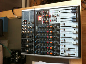 Console mixer Behringer Xenyx X1204USB in box
