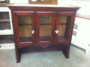 breathtaking hutch top - delivery available
