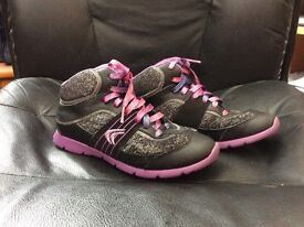 Girl's Trainer Shoes